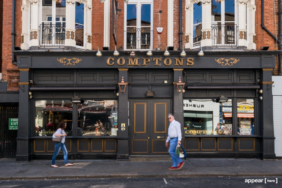 Comptons bar in Soho - exterior