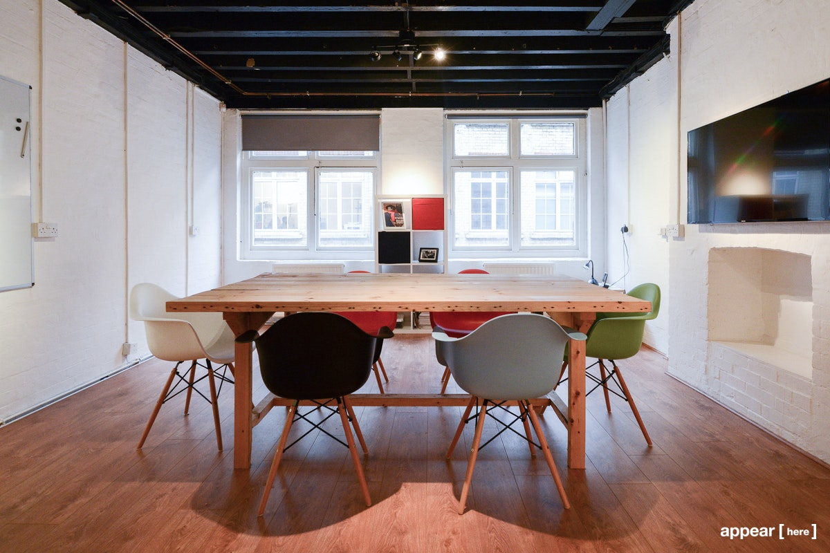 20 Coronet Street - First Floor interior