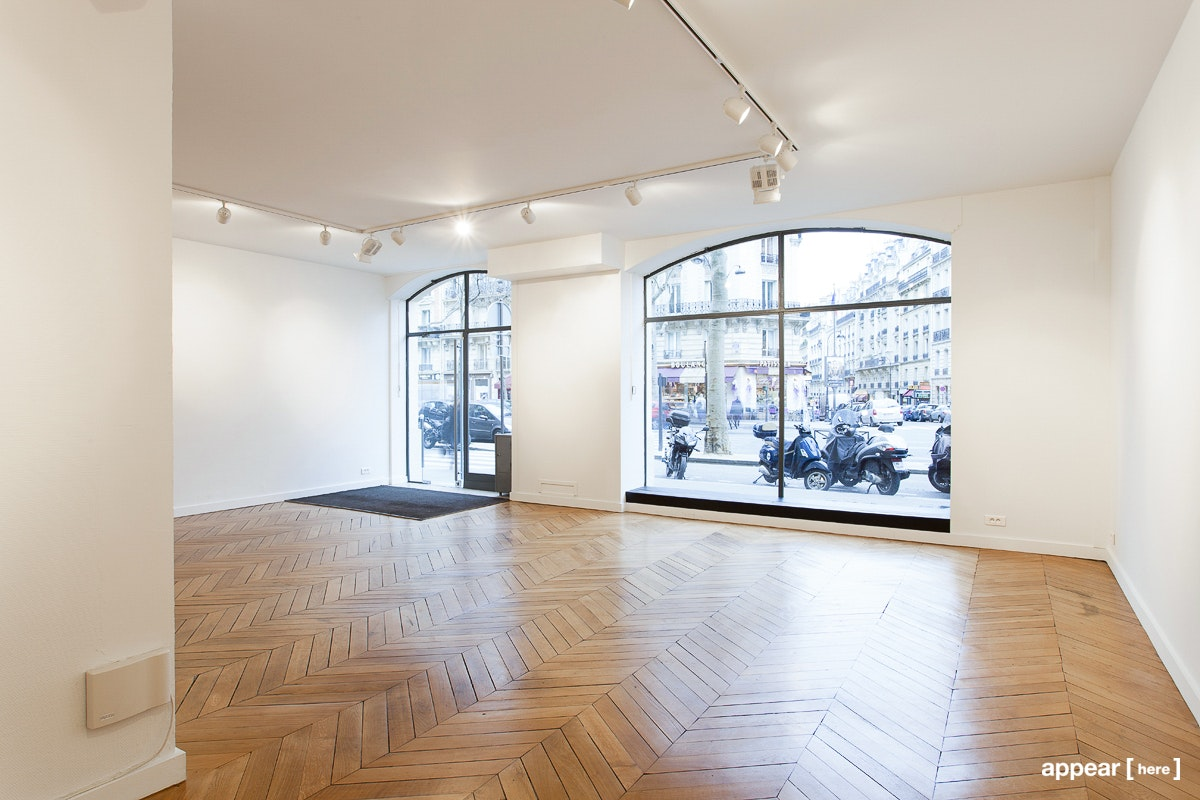 Galerie 104 Kleber, Paris - interior with wood floors
