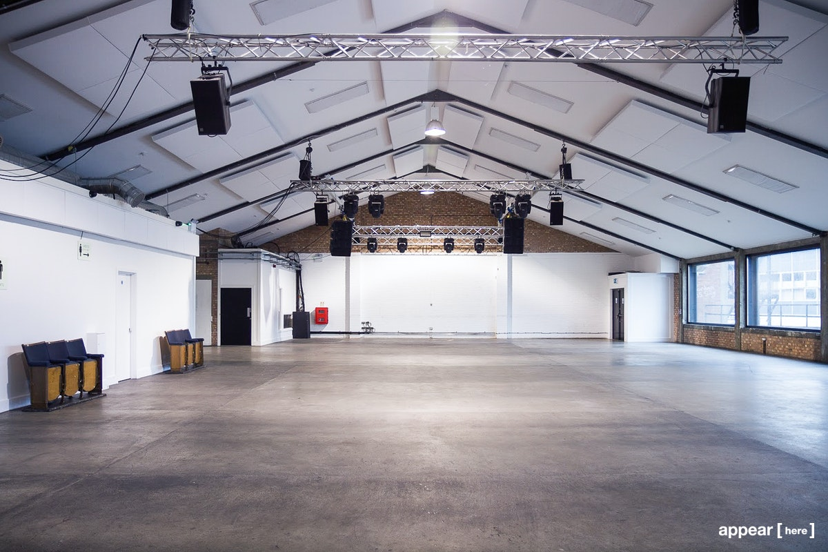 Oval Warehouse