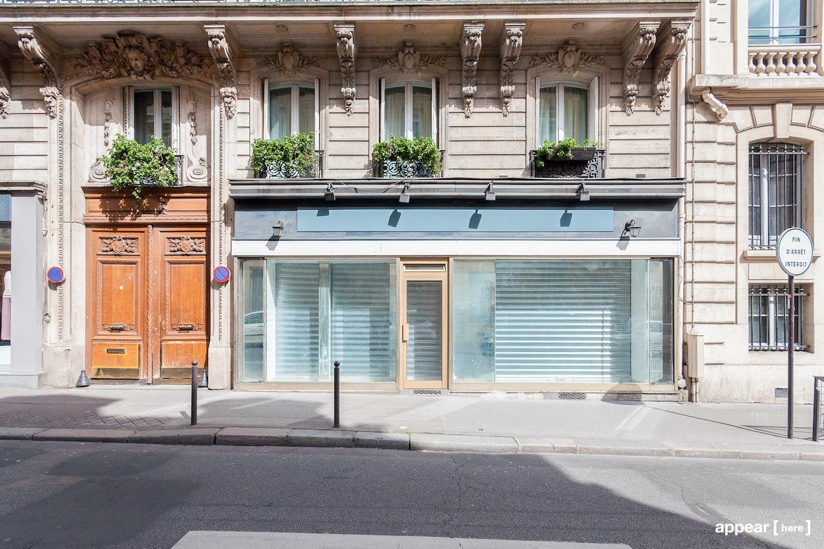 12 Rue de Clichy, exterior