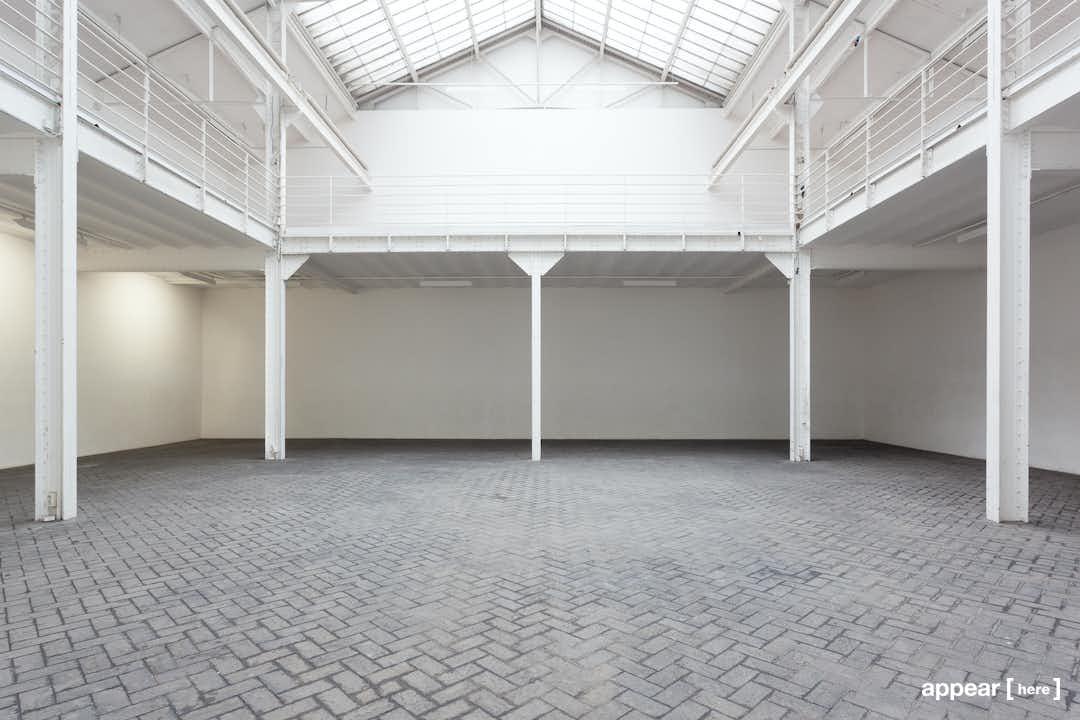 Showroom avec verrière Bastille