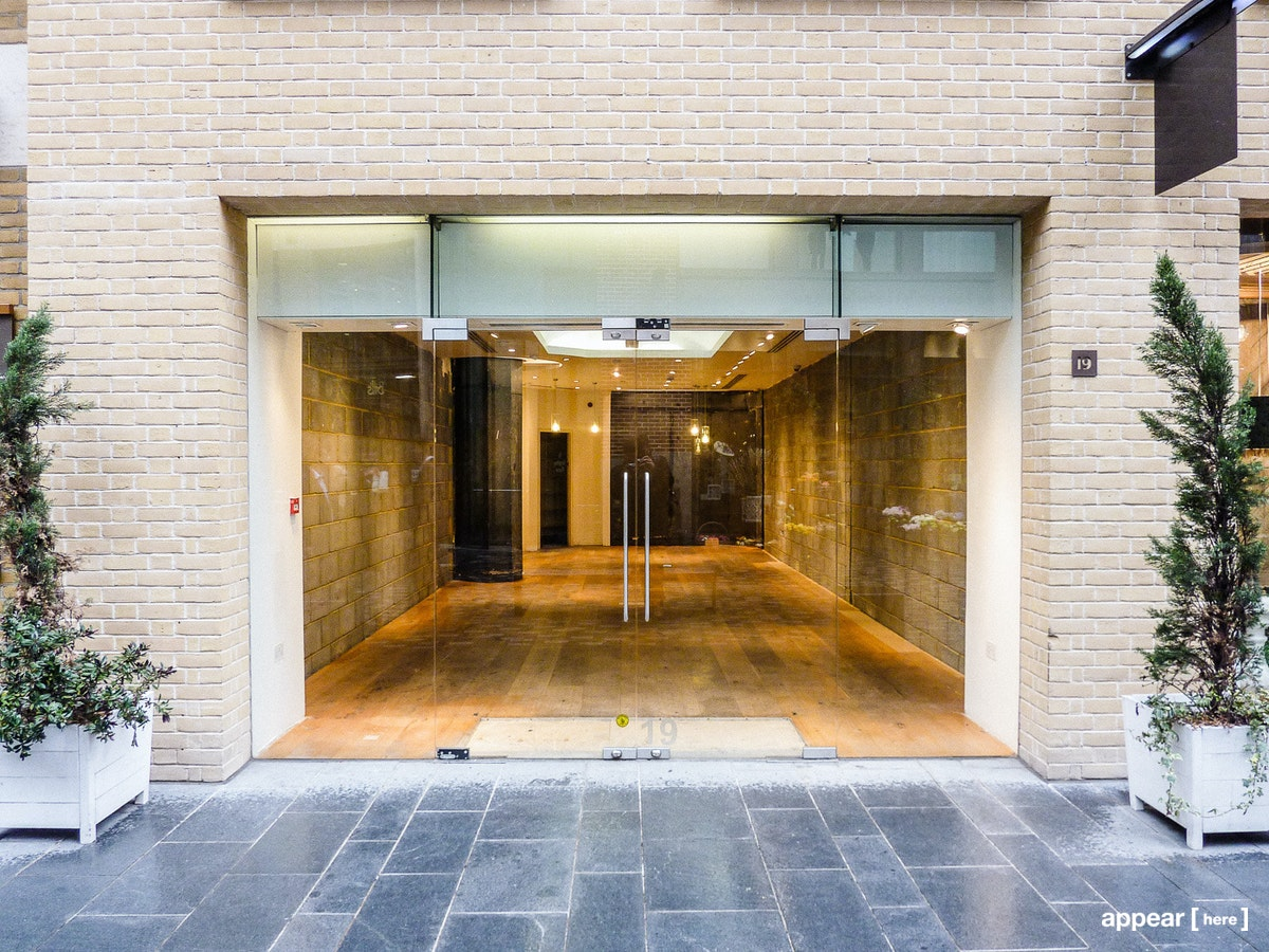 covent garden storefront to rent