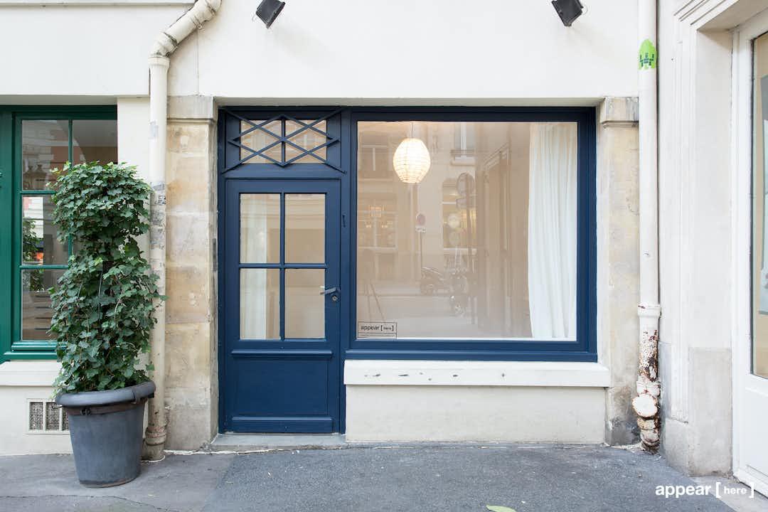 Vitrine Bleue Saint-Germain