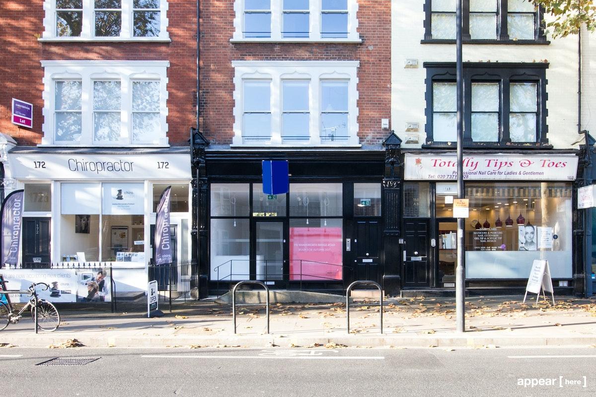 Wandsworth Bridge Road London, Fulham – Black Front Boutique