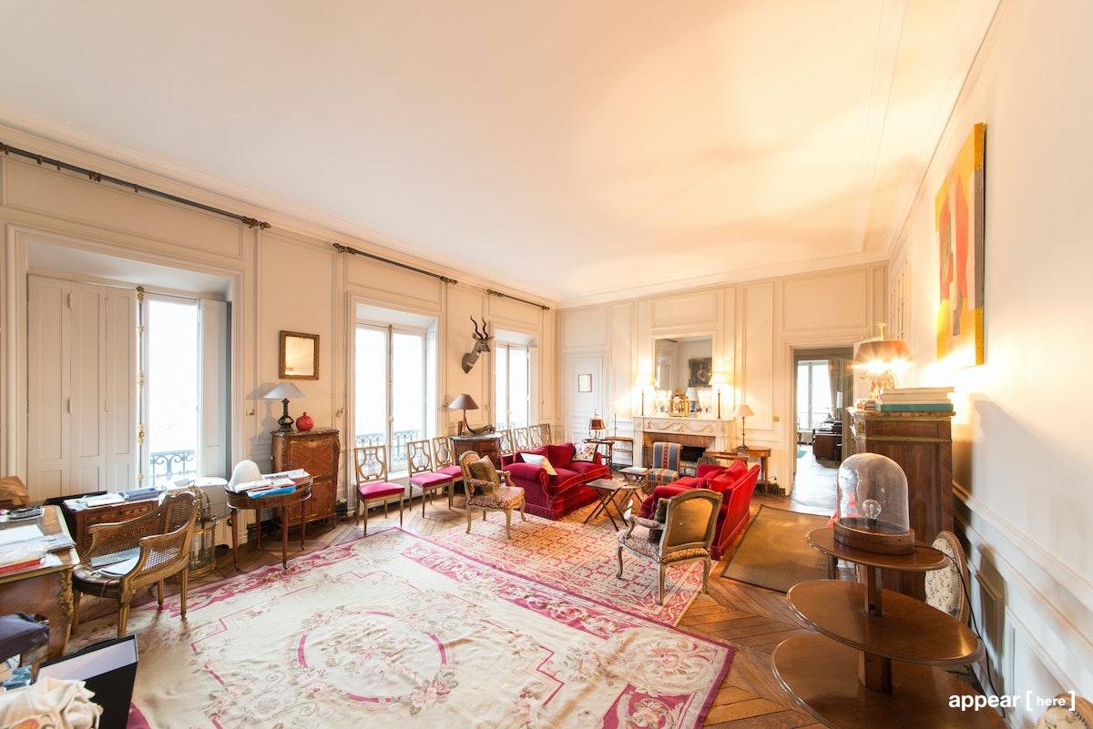 Showroom de luxe Arc de Triomphe