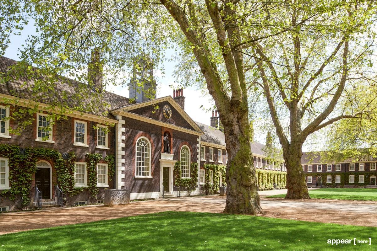 Geffrye Museum - Front Lawn, London