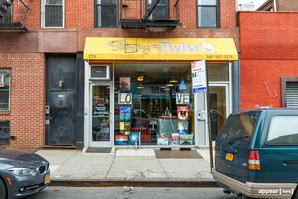 Smith Street, Carroll Gardens – The Little Yellow Awning