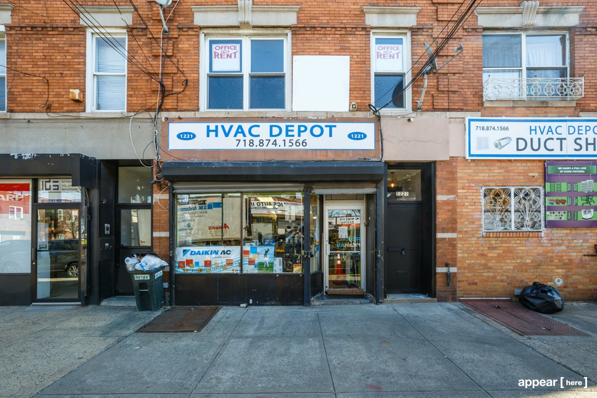 McDonald Avenue, Midwood – Third Floor Showroom