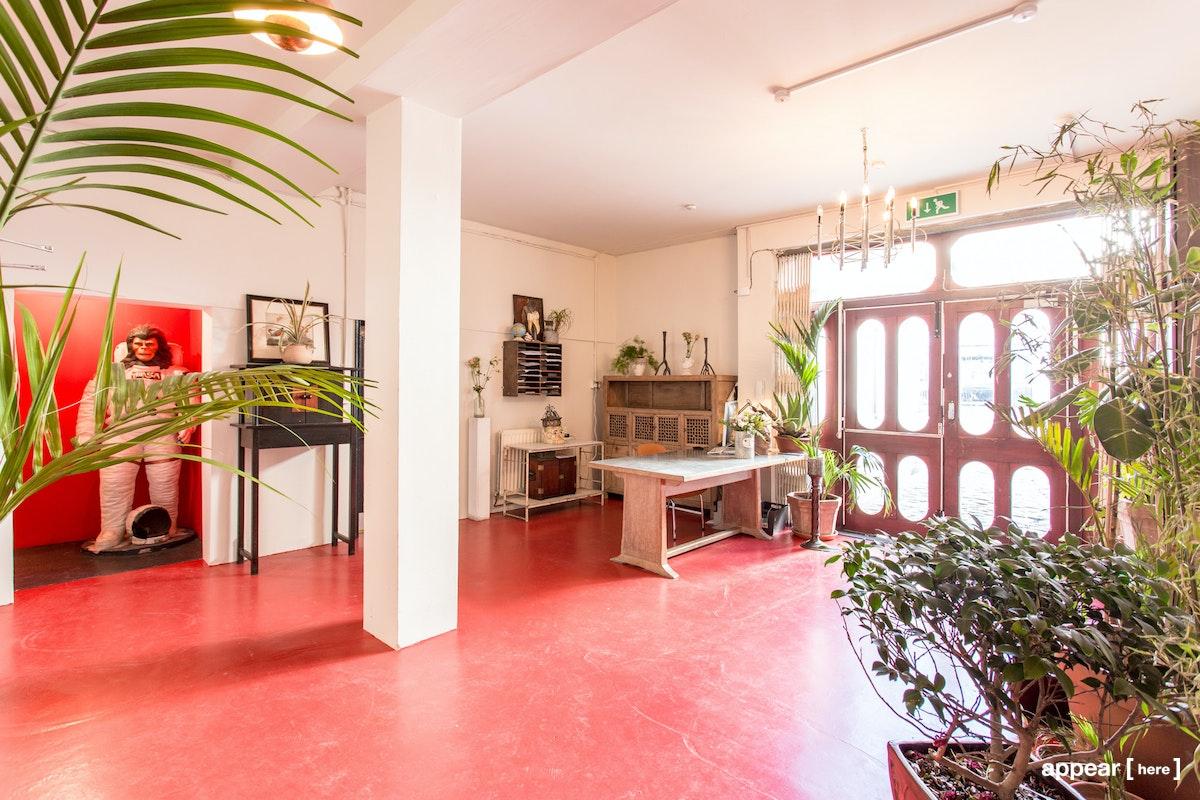Reception, Apiary Studios, 458 Hackney Rd, London