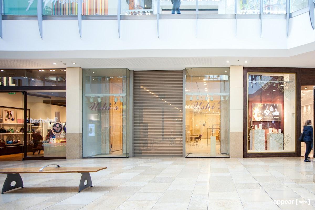 St Davids Dewi Sant, Cardiff - Warm Wood-Panelled Shop Space