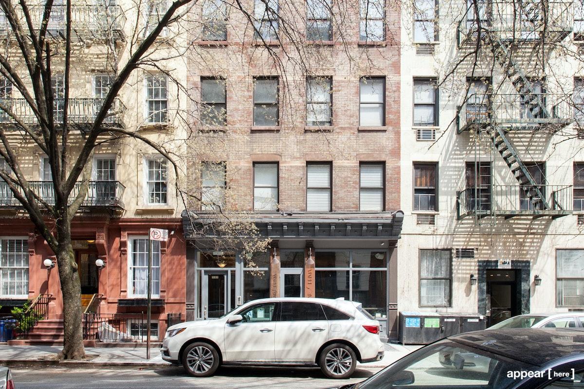 Upper East Side's Chic Wine Bar & Restaurant