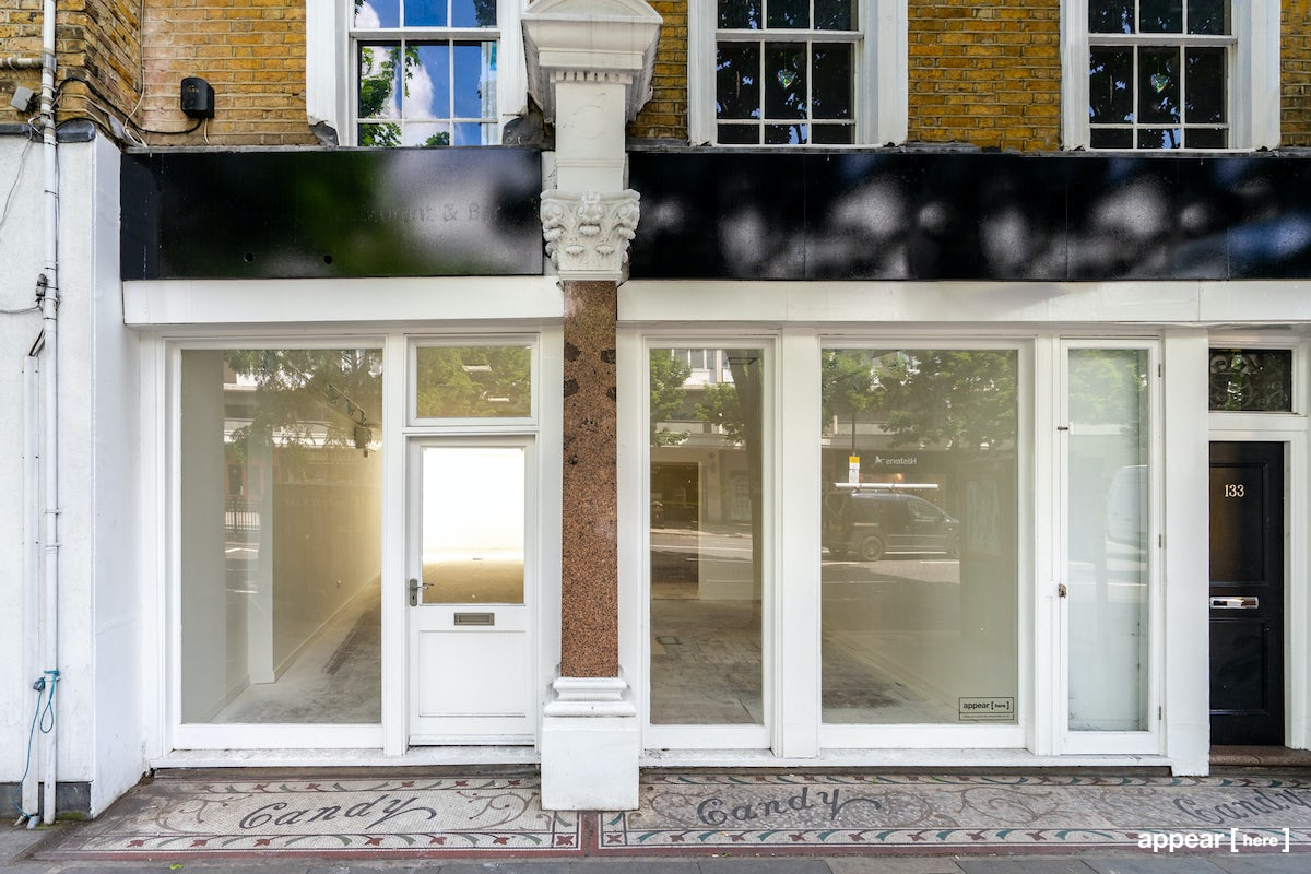 Notting Hill Gate – White Pop-Up
