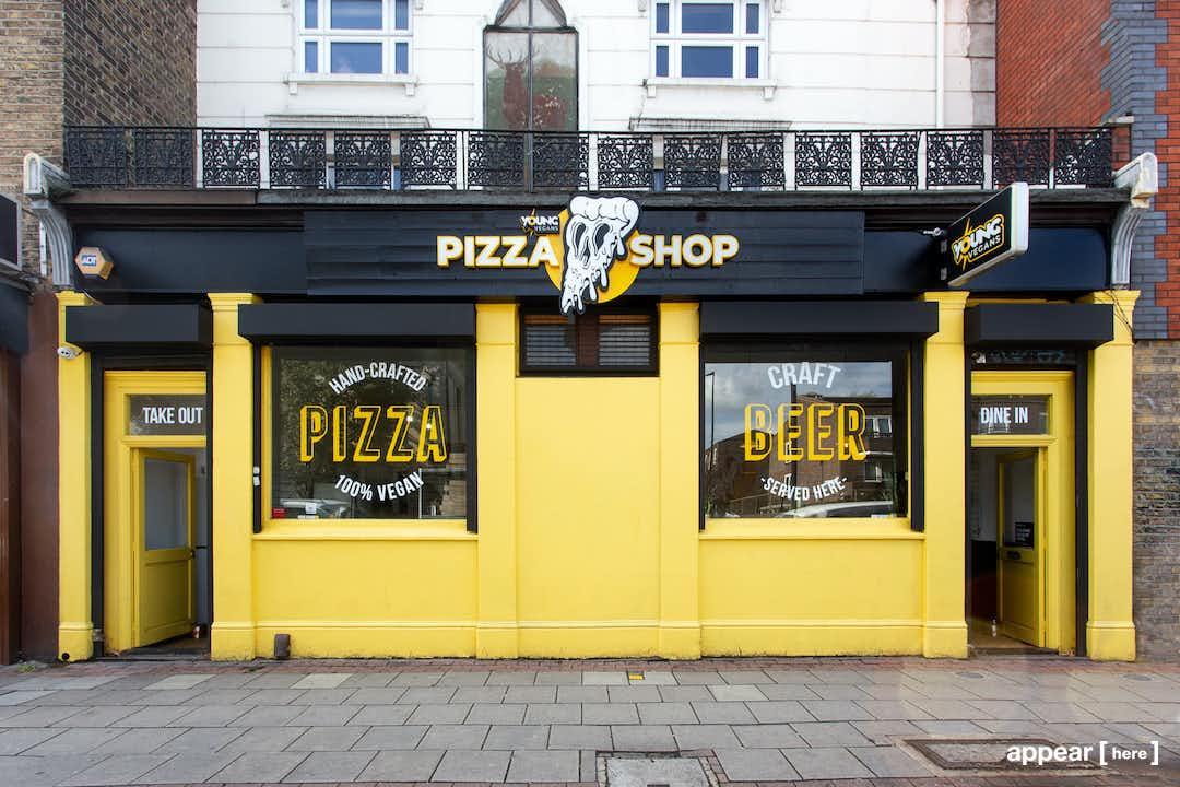 Cambridge Heath Road, Bethnal Green - The Pizza Restaurant
